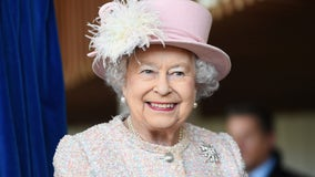 Queen leaves Buckingham Palace with plans for coronavirus quarantine