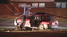 Driver crashes into utility pole in Fort Worth