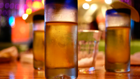 Abbott waives regulations to allow restaurants to deliver alcohol