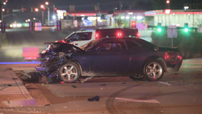 Woman killed in late night crash in Fort Worth