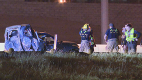 2 women killed, 5-year-old injured after helping with disabled vehicle on I-30