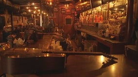 Texas bar owners hoping for reopening announcement on Monday