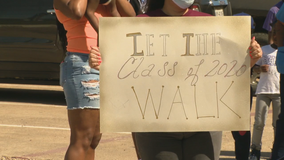 Students protest Fort Worth ISD's plan to hold virtual graduation