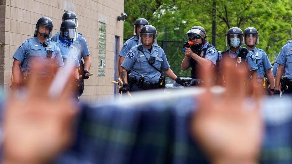 9fea5909-US-POLITICS-POLICE-RACE