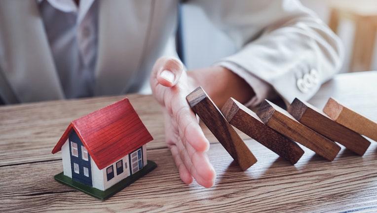 5705091b-Credible-home-mortgage-modication-iStock-1181959606.jpg