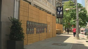 Downtown Dallas businesses take economic hit with few visitors during pandemic