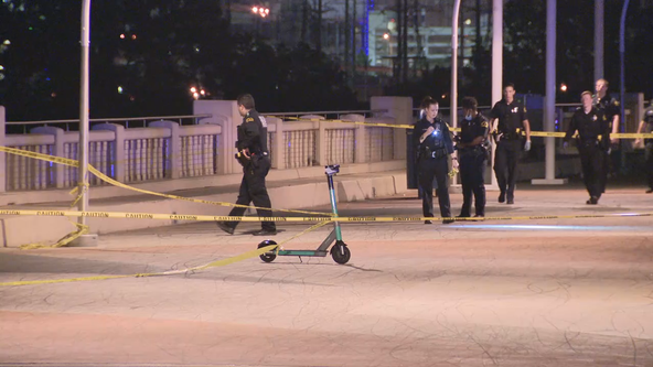 1 dead, 1 critically injured in shooting on Dallas pedestrian bridge