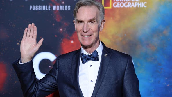 Bill Nye demonstrates effectiveness of COVID-19 mask materials on TikTok