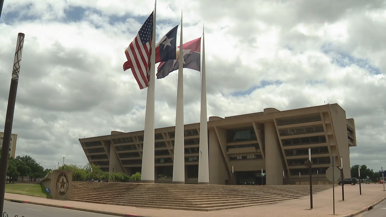 Dallas City Council votes to cut police department's overtime budget