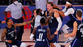 Luka Doncic beats buzzer with long 3, Mavs beat Clippers in OT to tie series 2-2