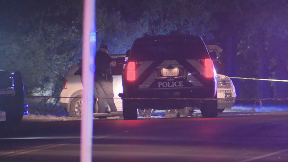 Fort Worth police investigating after man shot while in vehicle
