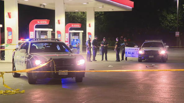 Dallas police searching for suspect after woman shot outside 7-Eleven
