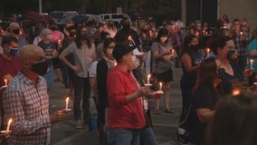 Candlelight vigil held in Dallas to remember Ruth Bader Ginsburg