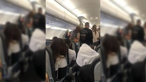 'Get off the plane': Passengers scold woman refusing to wear mask on flight
