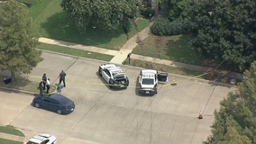 Dallas officers shoot murder suspect after chase ends in Mesquite
