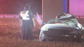 Driver killed after overnight crash on I-30 in Dallas