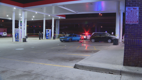2 injured after reporting someone fired shots at them while driving on I-35