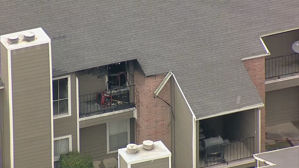 Toddler in critical condition after Fort Worth apartment fire