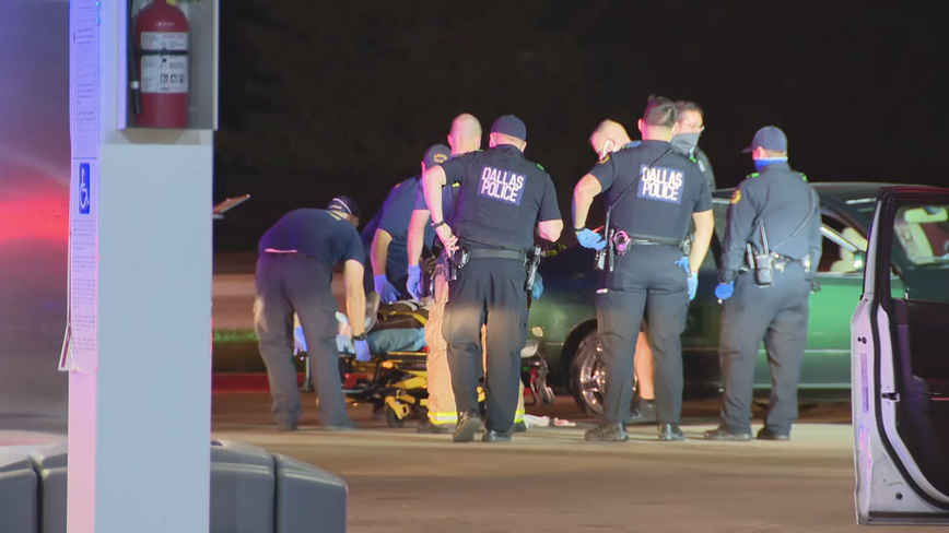 Man shot in car near Klyde Warren Park in Downtown Dallas