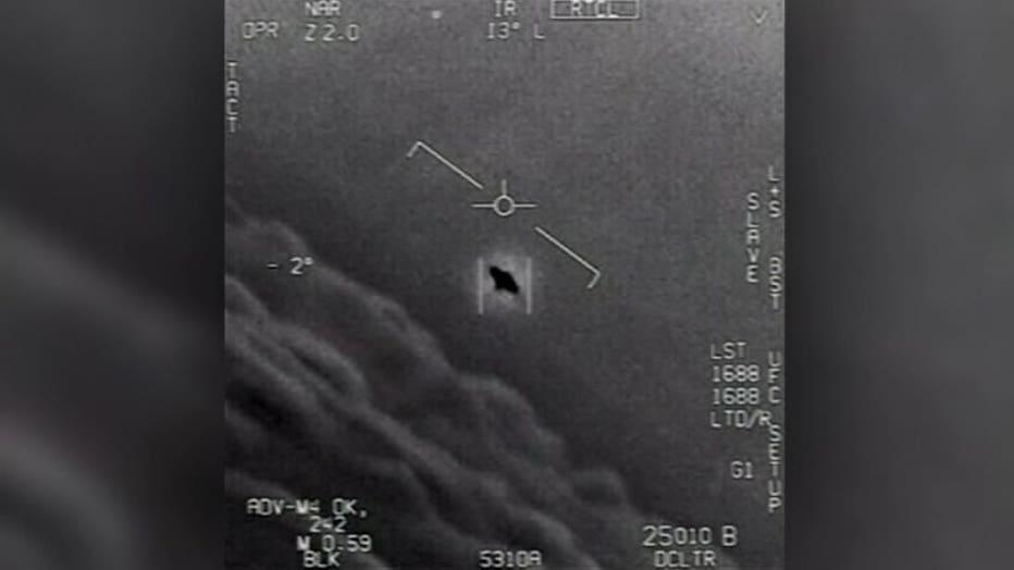 V-NAVY-RELEASES-UFO-VIDEOS-4A_WTVT3489_711.mxf_.00_00_00_00.Still001