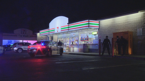 Dallas store clerk shot in robbery attempt