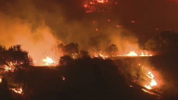 2 firefighters critically injured, 90K evacuated as Silverado Fire rages in Orange County