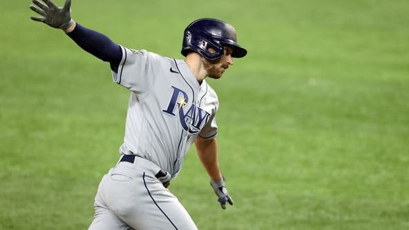 Lowe homers twice, Rays hold off Dodgers 6-4 to even Series