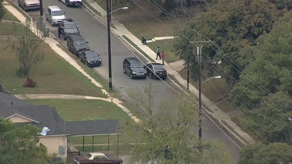 Suspect manages to elude police after slow-speed chase in South Dallas