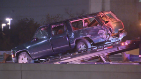 Child dies in rollover crash on I-35 in Dallas