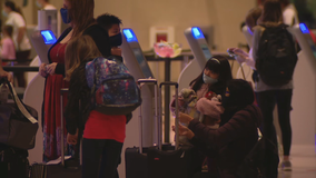 Thanksgiving travelers keep Dallas Love Field busy