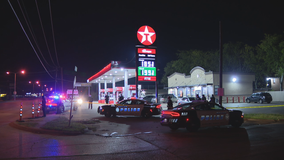 1 person dead in shooting outside Dallas convenience store