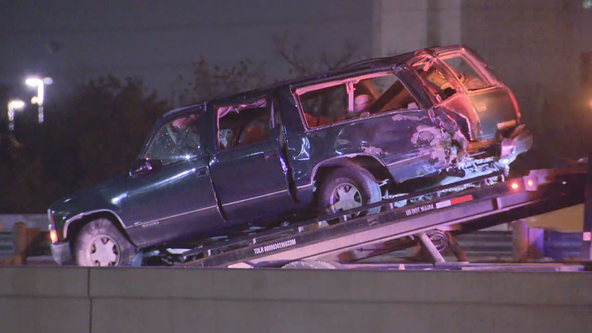 Child dies after rollover crash on I-35 in Dallas