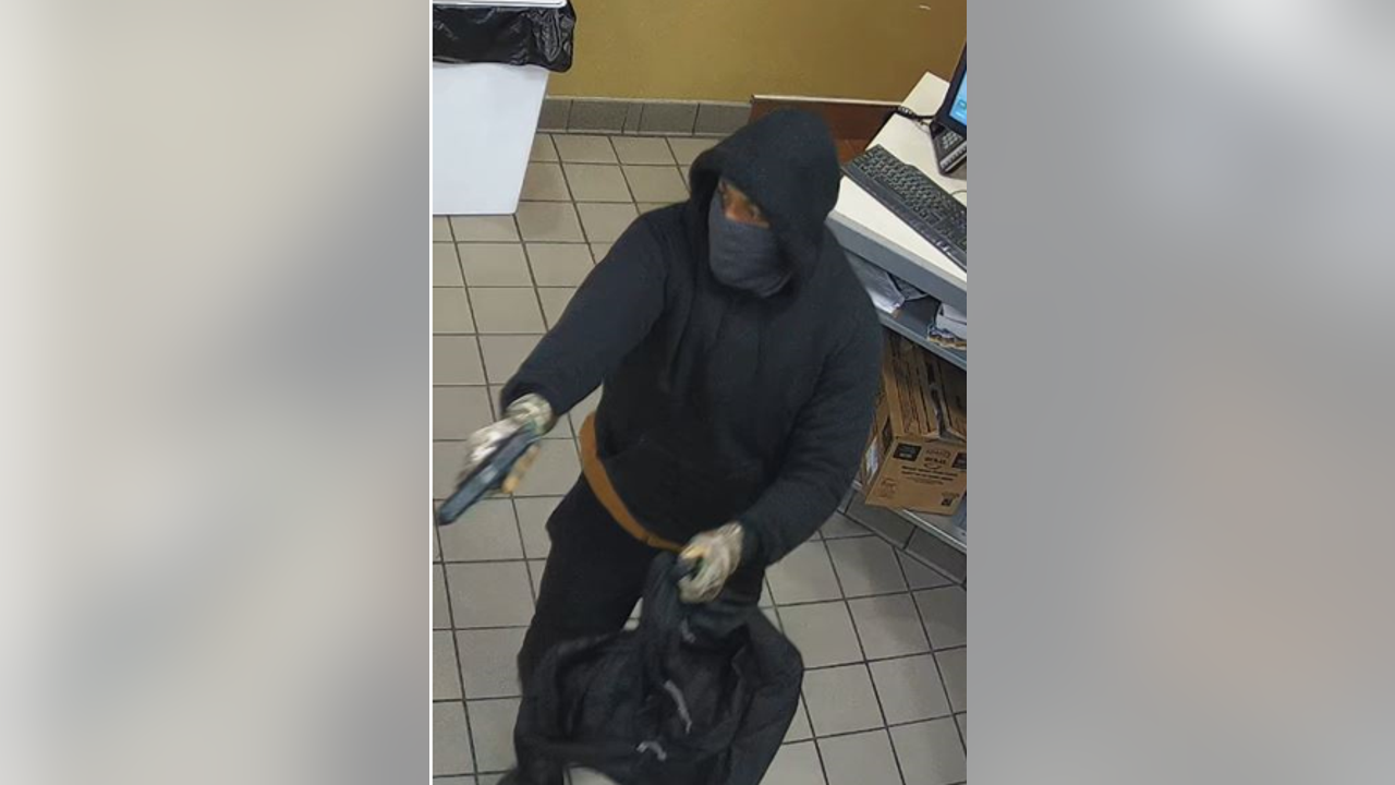 Corinth police looking for man who robbed local...