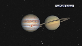 Christmas Star: Jupiter, Saturn merging in night sky, closest in centuries