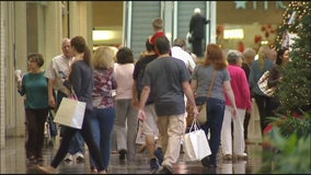In about-face, retailers ease holiday return policies during pandemic
