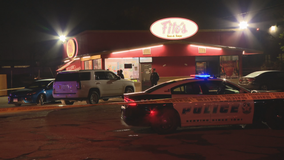 Police: Man shot, carjacked while waiting for wife to get off work at Dallas restaurant