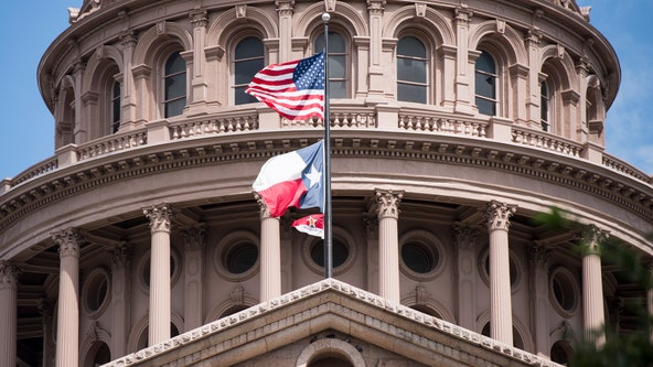 Texas lawmakers offered vaccine despite ineligibility