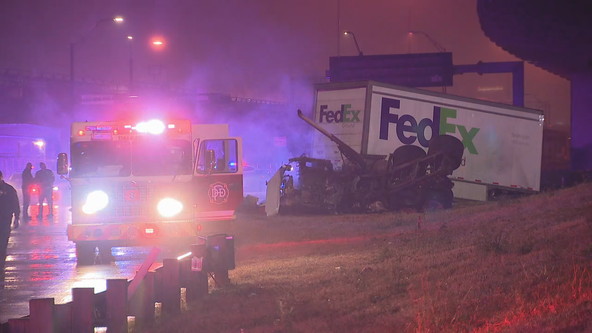 Driver dies in single-vehicle crash after going off Dallas highway