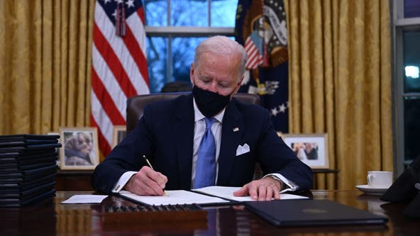 Biden speaks on COVID-19 before signing 10 pandemic-related executive orders
