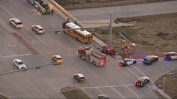 Woman dies in crash with school bus near Fort Worth-Justin border