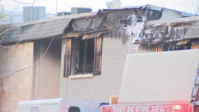 3-alarm fire displaces 20 people from Dallas apartment complex