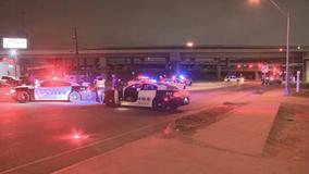 1 dead in rollover crash in Dallas