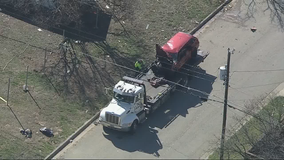 4 kids, 2 adults hurt in Fort Worth crash
