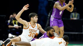 Texas stunner: No. 14 Abilene Christian ousts 'Horns 53-52