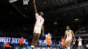 Houston locks in on defense, beats Syracuse 62-46 in NCAAs