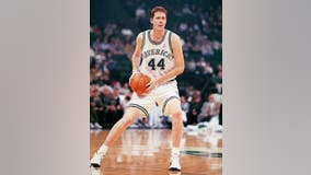 Former Dallas Maverick Shawn Bradley paralyzed after bicycle accident
