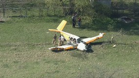 2 people injured in Wise County plane crash