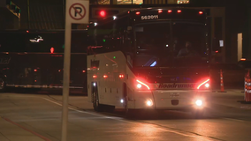 First buses of undocumented immigrants arrive at Dallas convention center