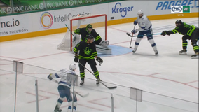 Lightning extend dominance over Stars with 2-1 victory