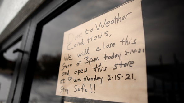 Texas workers struggle to pay for groceries and rent after losing wages during winter storm